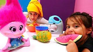 Видео для детей. Пирог для Розочки (Тролли). Веселые игры