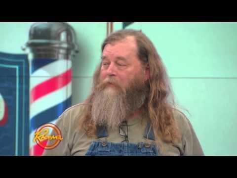 蓄鬍子幾十年的「野人大叔」決定和鬍子說掰掰,老婆再看到他時完全認不出就是自己的老公!
