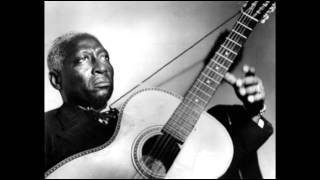Lead Belly - Pick A Bale Of Cotton