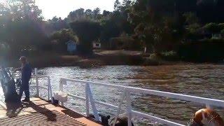 preview picture of video 'Cruzando el Rio Uruguay en Balsa'