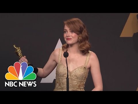 Emma Stone On 'Moonlight' Announce: 'Is That The Craziest Oscar Moment Of All Time?' | NBC News