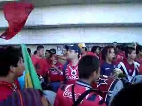 """volveremoss volveremoss!!"" Barra: Guardia Roja • Club: Tiburones Rojos de Veracruz"