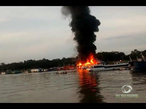 Incêndio em 3 embarcações deixa 9 pessoas feridas em Anori
