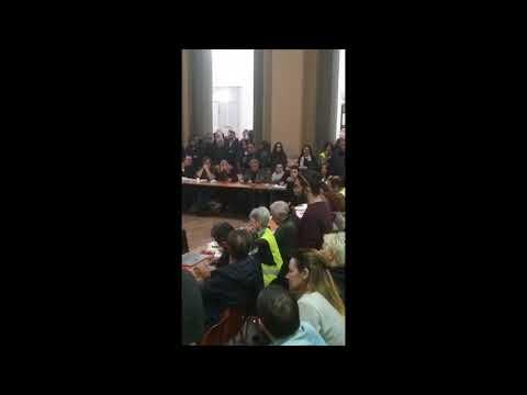 VIDEO : le cri de colère des corses face aux élus insulaires