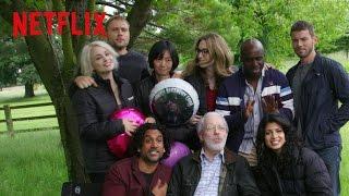 """Featurette Netflix #2 """"Famille"""" Saison 2 (VOSTFR)"""
