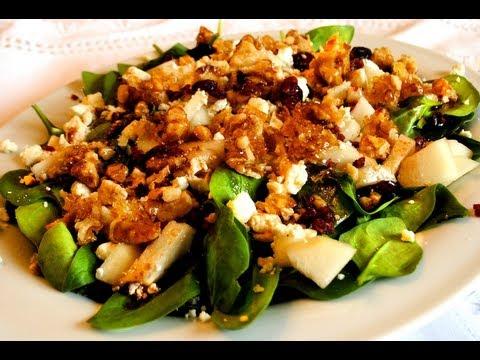Ensalada de Espinacas con Pera y Nueces caramelizadas / Recetas de ensaladas