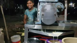 How to make cane juice in seconds || Street Food || Sugarcane Juice  || INDIAN STYLE.