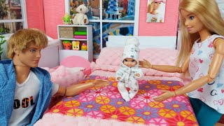 Barbie Doll Baby Ken Family Morning Routine. Life In A Dreamhouse. DIY Mini House