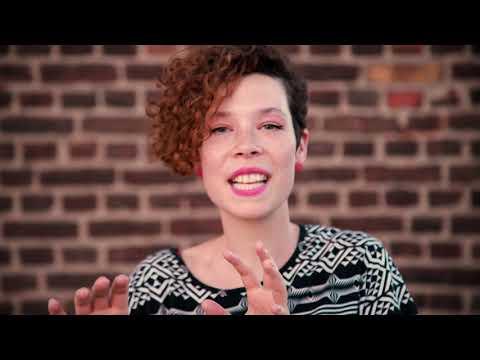 play video:DIS MOI POURQUOI - Single - Charlotte Haesen | Guitar: Philip Breidenbach