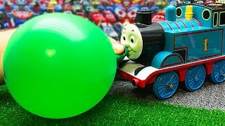 Oddbods Toys and Colorful Balloons - Thomas and Friends Learn Colors with
