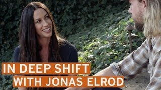 "Alanis Morissette: Fame ""Amplified"" My Insecurities 