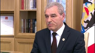 Глава Холмского района рассказал Андрею Никитину, как в муниципалитете будут повышать среднюю зарплату