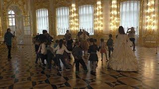 На балу у Елизаветы в Екатерининском дворце Царского Села
