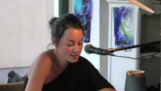 preview picture of video 'Poetry Slam_Ramona Schmid.mov'