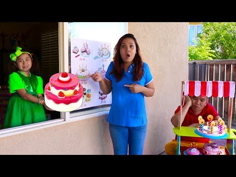 Jannie Pretend Play Birthday Cakes Drive Thru Toy Store for Kids