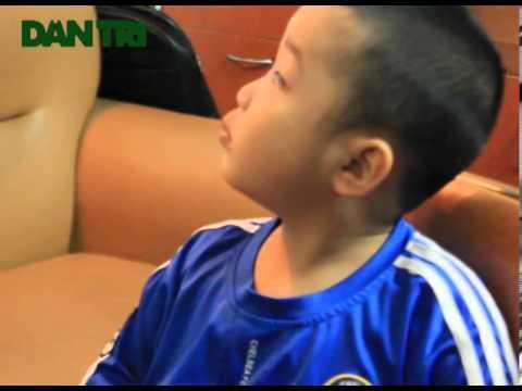 Thần đồng 4 tuổi Tuấn Minh đổi lịch siêu Việt