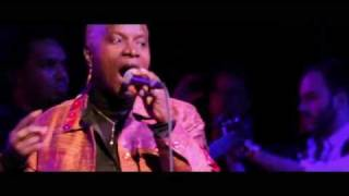 Okayafrica TV: Angelique Kidjo x The Roots at The Holiday Jam