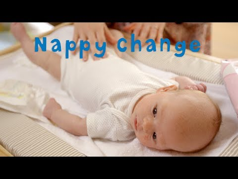 How to Successfully Change a Nappy - JOHNSON'S Baby