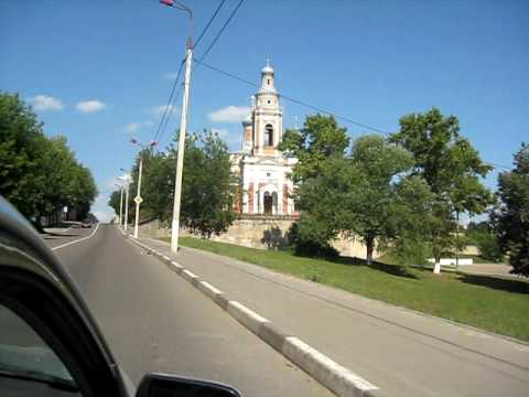Дорога к церкви левитан