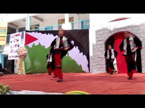 عرض فني للدبكة الشعبية على اغنية دمي فلسطيني