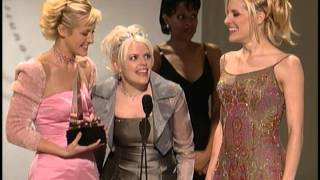 Dixie Chicks wins Favorite Country New Artist Award -  AMAs 1999