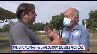 Prefeito Bocalom inspeciona limpeza no parque de exposições para acolher famílias devido enchente em Rio Branco