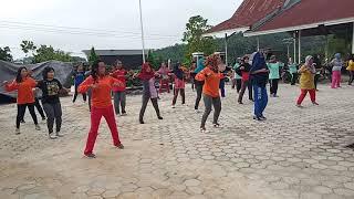 preview picture of video 'Senam lansia 'Matueh Sehat' Desa Bukit Sawit Kecamatan Teweh Selatan Kabupaten Barito Utara..'