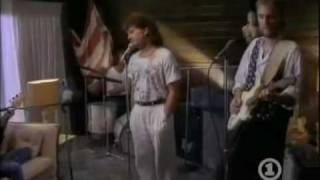 Taken In - Mike + The Mechanics  (Video)