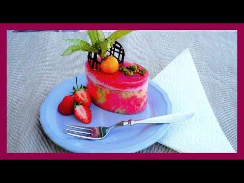 Beeriges, Biskuittörtchen mit Mousse Füllung, Beerenkern & Beerenspiegel - Kuchenfee