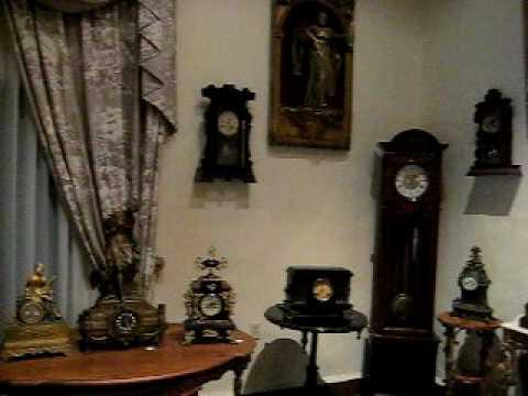 El Salon de los Relojes