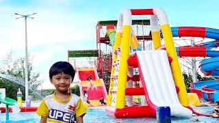 Tin và Anh Hai đi chơi hồ bơi cuối tuần ❤ Đồ chơi trẻ em Tin Siêu Còi ❤