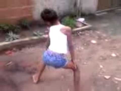 Menina de 8 Anos Dançando BONDE DAS MARAVILHAS