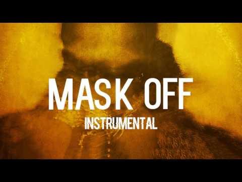Die Maske für die Person für die kombinierte Haut von den Pickeln