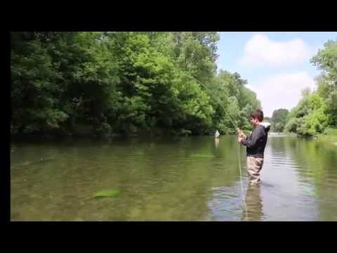 Disegno di una pesca invernale di trogolo nutrente