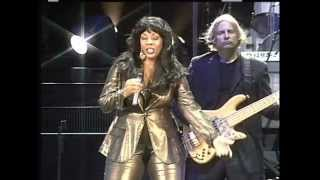 DONNA SUMMER She Works Hard For The Money  2008 LiVe