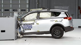 2015 Toyota RAV4 driver-side small overlap IIHS crash test