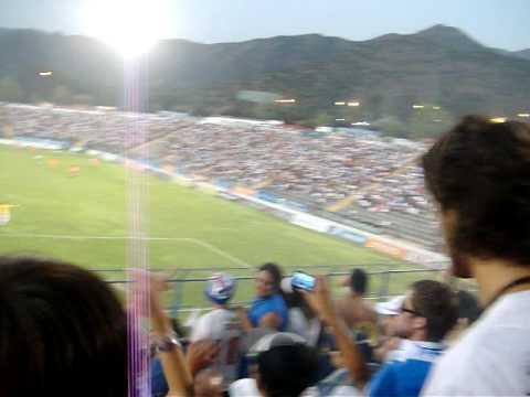 """""""UC vs Pobreloa - Barra Los cruzados"""" Barra: Los Cruzados • Club: Universidad Católica"""