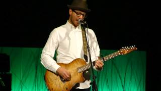 Chris August - Live Medley of Audience-Request Song