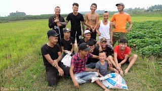 Dẫn 500 Anh Em Đi Đuổi Chuột - Bắt Được 100Kg Chuột Đồng