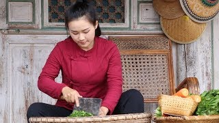 Cook an indispensable dish on the table of Yunnan household: Sour Pickles and Meat