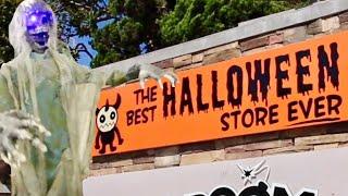 the best halloween store ever haunted house displays walk thru custom yard decorations