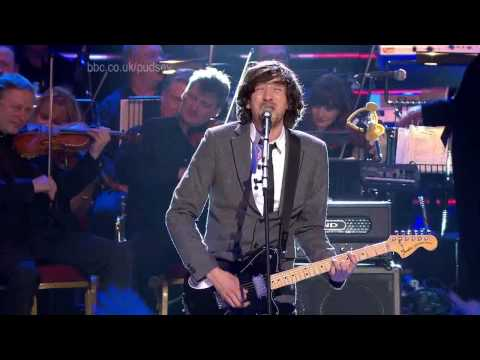 Snow Patrol - Chasing Cars (Live BBC Children In Need Rocks 2009) (High Definition) (HD)