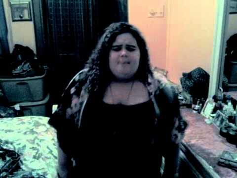 Diaritza Victoria Allure singing Lights by Ellie Goulding