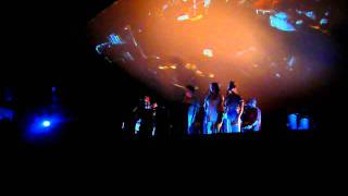 Feist - A Commotion (Live) - The Palladium, London Monday 17 October 2011