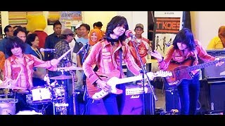 Why Do You Love Me (Koes Plus) ★ T-Koes Band @ Plaza Blok M (31/07)