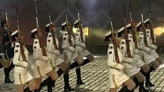 赤點 - 中國儀仗女兵首次亮相海外