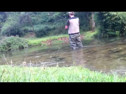 Fare una casetta per inverno pescando a proprie mani