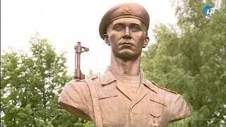 В Новгородской области продолжается открытие памятных бюстов бойцам знаменитой 6 роты