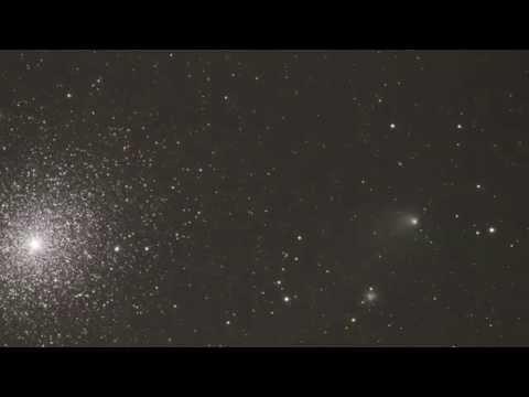El Cometa C/2013 A1 (Siding Spring) y el cúmulo 47 Tucanae видео
