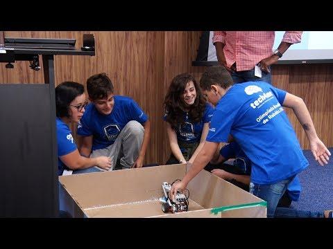 Estudantes de Teresópolis criam robôs que superam obstáculos